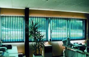 vertikallamellenreflektion sonnenschutz innen